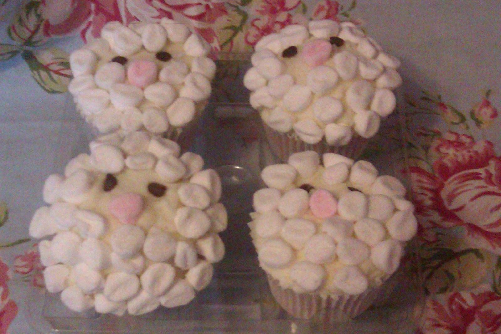 Happy Easter Dellipops Cakery