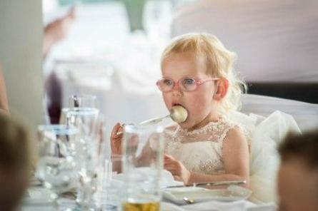 wedding guests love cake pops