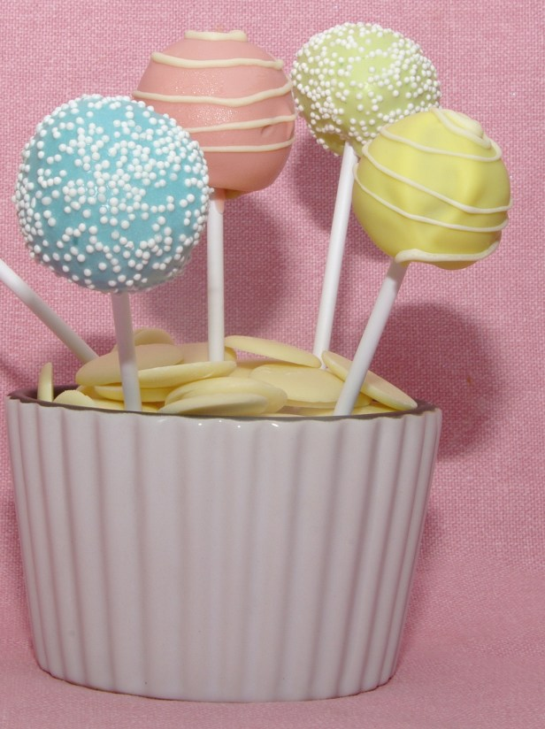 pastel-pops-and-white-chocolate-buttons
