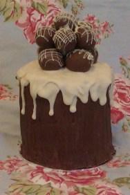 tower-of-pops-cake